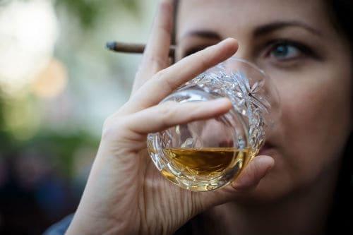 почему алкоголь приводит к лишнему весу